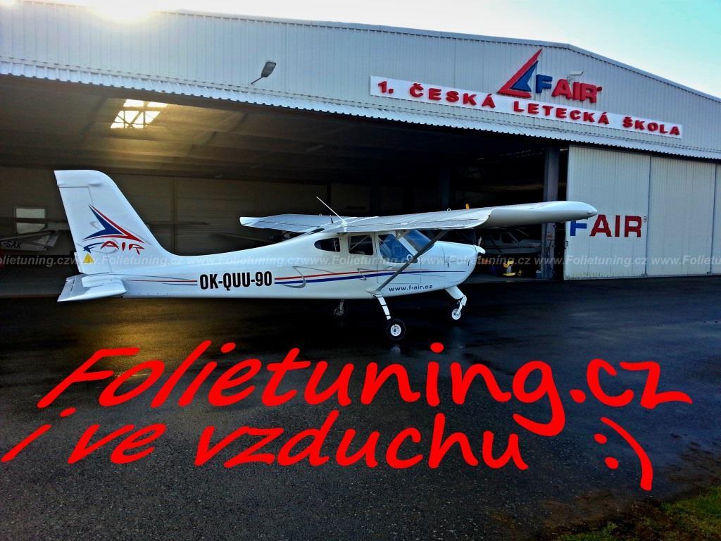 polep letadla společnosti F AIR první letecké škole,